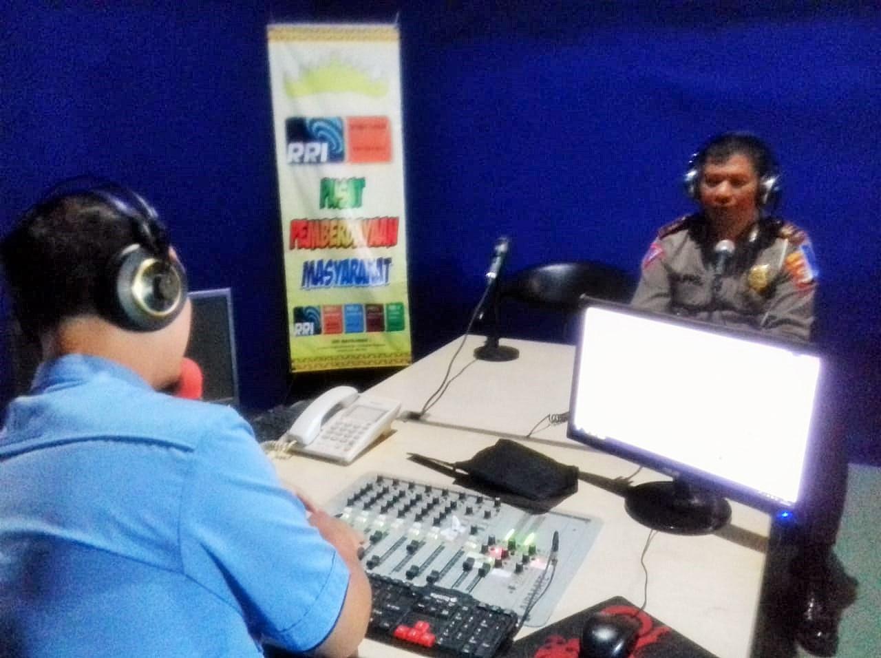 Satlantas Polres Way Kanan Sosilisasikan Ops Zebra Krakatau 2019 melalui RRI Way Kanan.