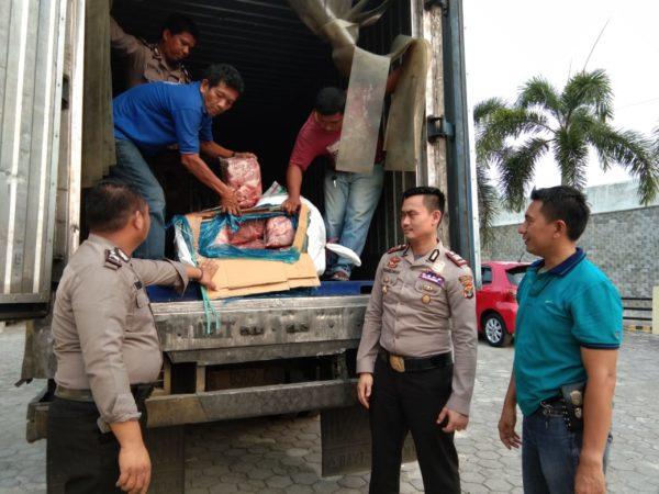 KSKP Bakauheni berhasil Gagalkan Penyelundupan 1,2 Ton Daging Celeng Yang Akan Dikirim ke Ibu Kota