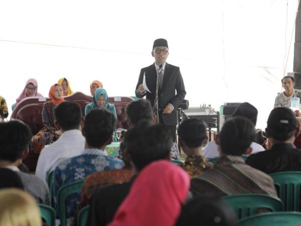 """Lantik 6 Pejabat Kampung, Pesan Adipati """"Kepala Kampung dan BPK, Harus Mampu bersinergi dan berkomunikasi dengan Baik."""
